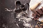 Outils de coupe et ingrédients de cuisson