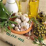 Eine Anordnung von Oliven