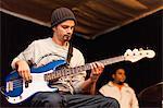 Bassist üben mit band