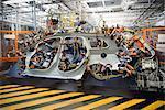 Pièces de voiture sur soudage jig en usine automobile
