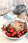 Panettone Französisch Toast mit Erdbeeren