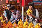 Marché de gens magasiner chez la fleur, Tsuen Wan, Hong Kong