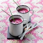 Soupe froide de betterave rouge