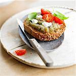 Caviar d'aubergine et mozzarella Crostini