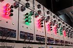 farbige Glühbirnen in elektrische Kraftwerk