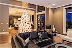Intérieur de Noël, salon et cuisine