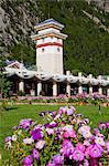 Einkaufszentrum am Eingang der Jiuzaigou malerische Gegend, Sichuan, China