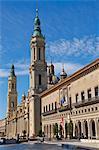 Basilique de Nuestra Senora des Pilar et de la mairie, Saragosse (Zaragoza), Aragon, Espagne, Europe