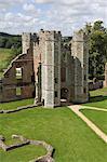 Das innere Torhaus zum 16. Jahrhundert Tudor Cowdray Schloss in Midhurst, West Sussex, England, Vereinigtes Königreich, Europa