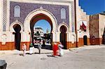 Entrée de la médina, Souk Bab Boujloud (Bab Bou Jeloud) (Blue Gate), Fès, Maroc, Afrique du Nord, Afrique