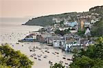 La ville de Fowey Cornish sur l'estuaire de Fowey, Cornwall, Angleterre, Royaume-Uni, Europe