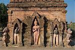 Small pahto with statues, Bagan (Pagan), Myanmar (Burma), Asia