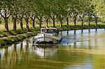 Navigation sur le Canal du Midi, patrimoine mondial UNESCO, entre Carcassonne et Béziers, Aude, Languedoc Roussillon, France, Europe