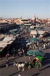Vue sur le marché, la Place Jemaa El Fna, Marrakech, Maroc, Afrique du Nord, Afrique