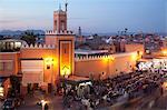 Mosquée au crépuscule, la Place Jemaa El Fna, Marrakech, Maroc, Afrique du Nord, Afrique