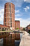 Serrure de bureau sur le Leeds et Liverpool Canal au Granary Wharf, Leeds, West Yorkshire, Yorkshire, Angleterre, Royaume-Uni, Europe