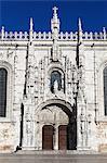 Entrée principale avec la sculpture d'Henri le navigateur, Mosteiro dos Jerónimos, patrimoine mondial de l'UNESCO, Belém, Lisbonne, Portugal, Europe