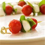 Brochettes de Mozzarella, de tomate et de basilic