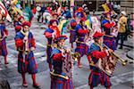 Hornisten in Marching Band, Scoppio del Carro, Explosion des Festivals Cart, Ostersonntag, Florenz, Provinz Florenz, Toskana, Italien