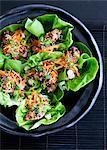 Enveloppe de bol de salade avec laitue