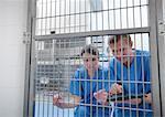 Vétérinaires par la porte de la cage