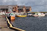 Appartements de vacances et de bateaux de pêche, à côté du port à l'ouest de la Lista, Vest-Agder, Norvège, Norvège, Scandinavie, Europe