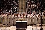 Ostern Woche (Chrisam-Messe) in der Kathedrale Notre Dame, Paris, Frankreich, Europa