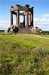 Monument commémoratif de guerre sur le haut de la falaise au-dessus de Stonehaven, Aberdeenshire, Ecosse, Royaume-Uni, Europe