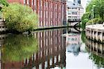 Ancien entrepôt se reflète dans la rivière Wensum, Norwich, Norfolk, Angleterre, Royaume-Uni, Europe