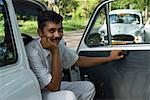 Chauffeur de Taxi de l'Ambassadeur, Kochi (Cochin), Kerala, Inde, Asie