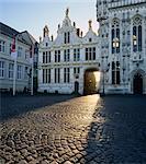 Place du bourg et la mairie, Bruges, patrimoine mondial de l'UNESCO, West Vlaanderen (Flandre), Belgique, Europe