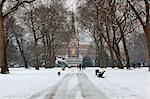 L'Albert Memorial et le Royal Albert Hall en hiver, Kensington Gardens, Londres, Royaume-Uni, Europe