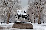 Statue d'énergie physique en hiver, Kensington Gardens, Londres, Royaume-Uni, Europe
