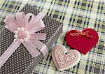 Coeurs et boîte-cadeau