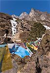Prayer flags, Dudh Kosi Valley, Solu Khumbu (Everest) Region, Nepal, Himalayas, Asia