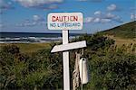 sign caution no lifeguard