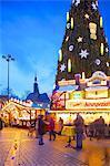 Christmas Market and the Biggest Christmas Tree in the World, Hansaplatz, Dortmund, North Rhine-Westphalia, Germany, Europe