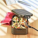 Macaronis,mushroom and tomato Bento salad