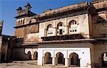 Asia, India, Madhya Pradesh, Orchha.  Interior of Jehangir Mahal Palace.