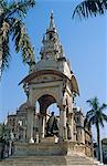 Asia, India, Madhya Pradesh, Gwalior.  Memorial statue.