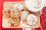 Hazelnut cookies with powdered sugar