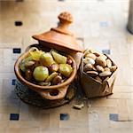 Jerusalem artichoke and almond Tajine