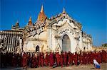 Procession of Buddhist monks at the Full Moon Festival, Patho Ananda temple, Bagan (Pagan), Myanmar (Burma), Asia