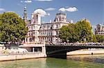 Pont d'Arcole and Hotel de Ville, Paris, France, Europe