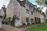 Old Cotswod stone houses, Sheep Street, Burford, Cotswolds, Oxfordshire, England, United Kingdom, Europe