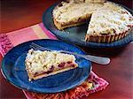 Apple cranberry crumble pie