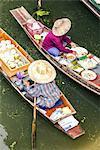 Thailand, Bangkok. Damnoen Saduak floating market (MR)