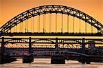 Newcastle upon Tyne skyline, Gateshead with the Tyne Bridge over River Tyne, Tyne and Wear, Tyneside, England, United Kingdom, Europe