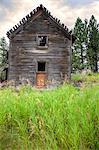 A derelict farmhouse in Oregon