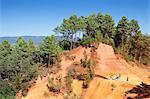 Les Sentiers des Ocres, Ochre Rocks, Nature Trail, Roussillon, Vaucluse, Provence-Alpes-Cote d'Azur, France, Europe